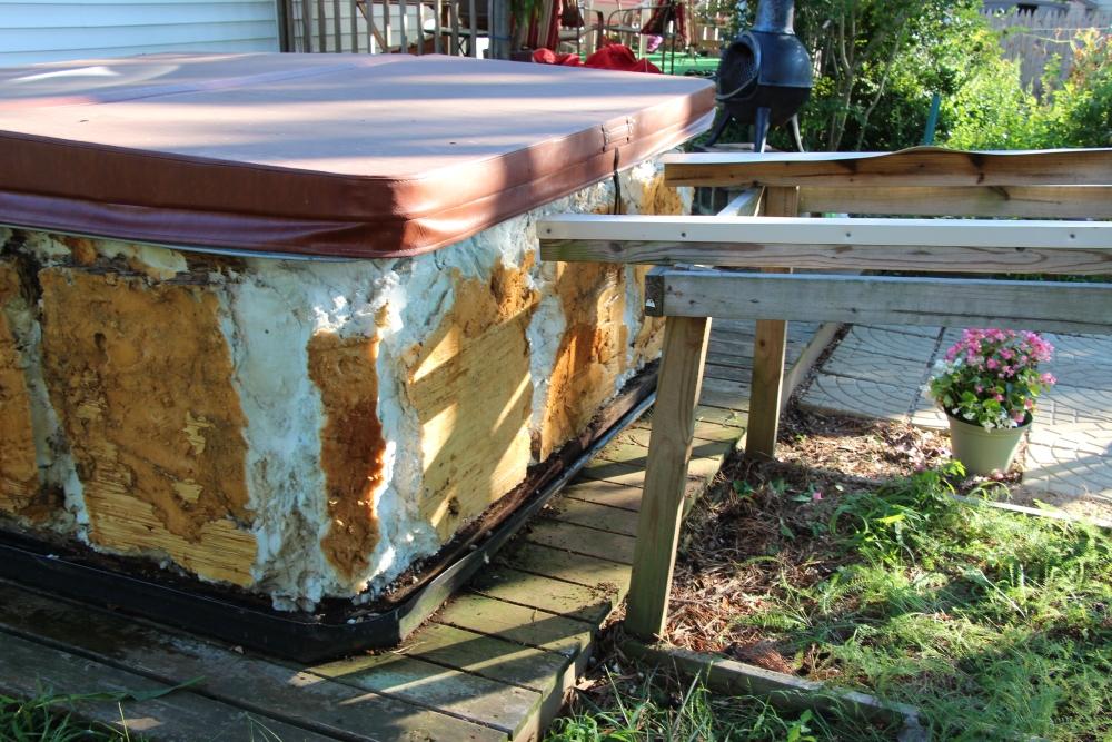 Rebuilding the hot tub, part 1.. (5/6)