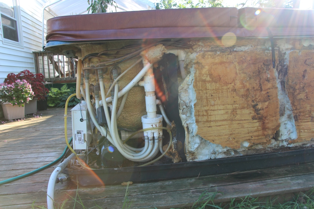 Rebuilding the hot tub, part 1.. (6/6)